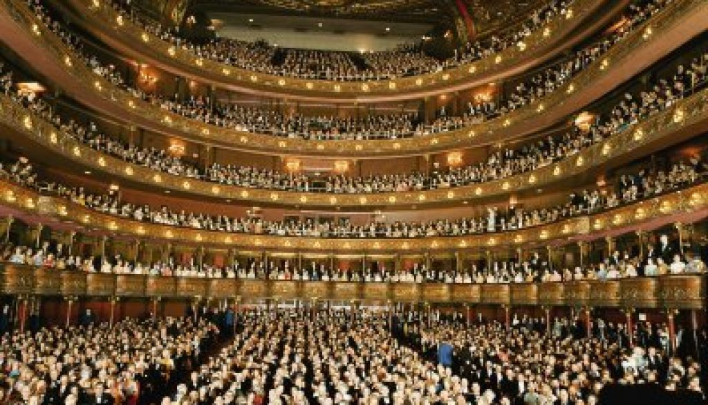 groskinsky-henry-audience-at-gala-on-the-last-night-in-the-old-metropolitan-opera-house